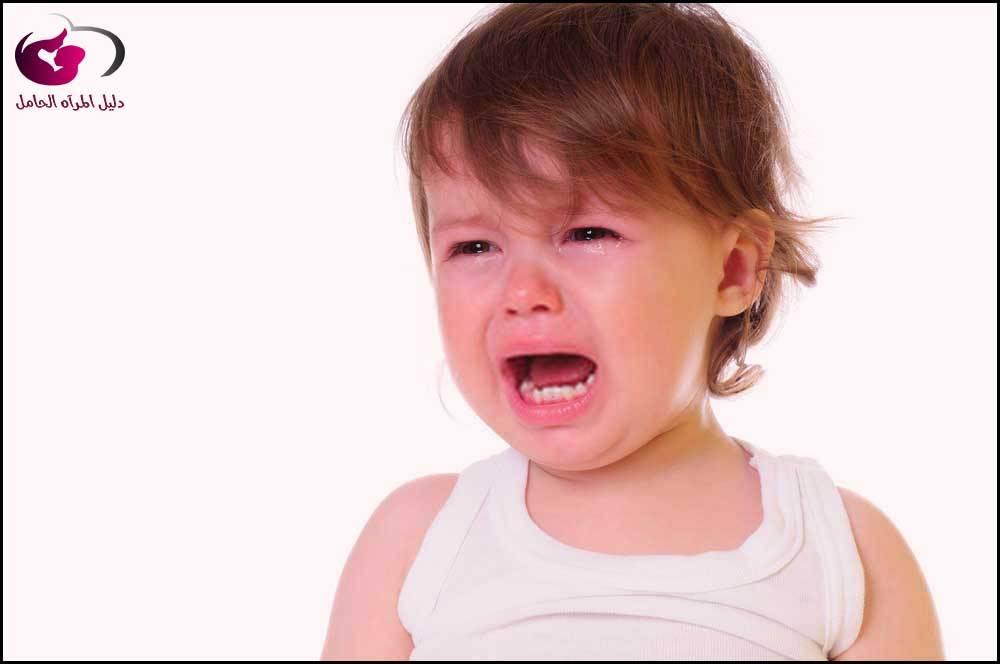 سبب بكاء الطفل أثناء النوم