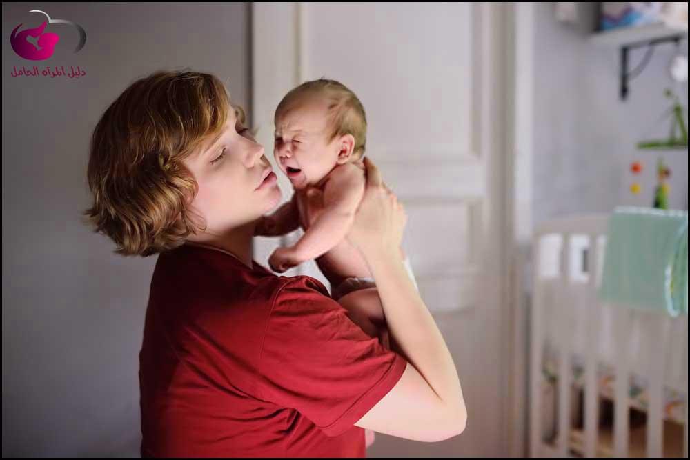 طرق لإيقاف بكاء الطفل
