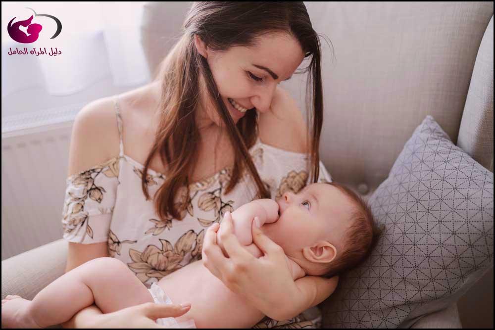 ما هي علامات الجوع عند الأطفال حديثي الولادة