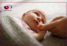 صورة طريقة الاهتمام بالأم والرضيع بعد الولادة